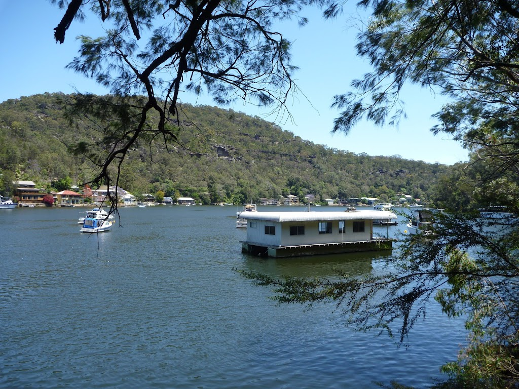 House boat on Berowra Creek
