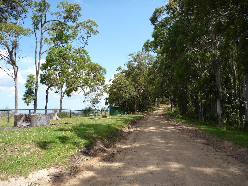 Road beside Heaton Lookout