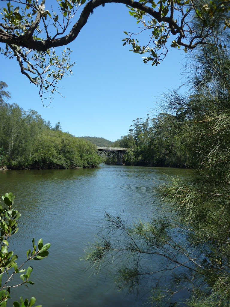 Looking downstream along Mooney Mooney Creek to the old Pacific Hwy bridge