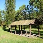 Fullers Park shelter (383282)