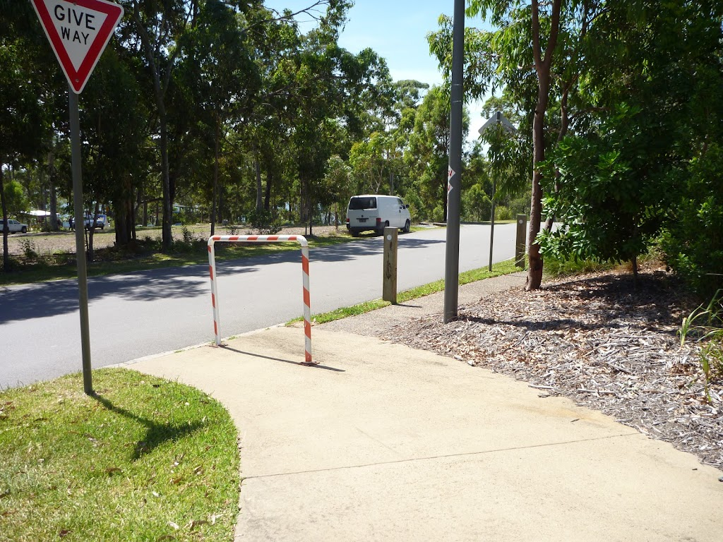 Footpath and intersection in Murray's Beach on Jetty Point Drive