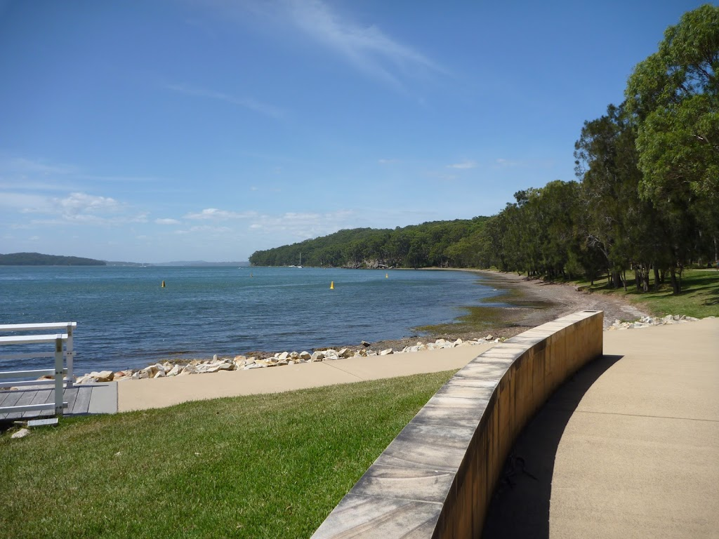 Lake Macquarie at Murray's Beach (389282)