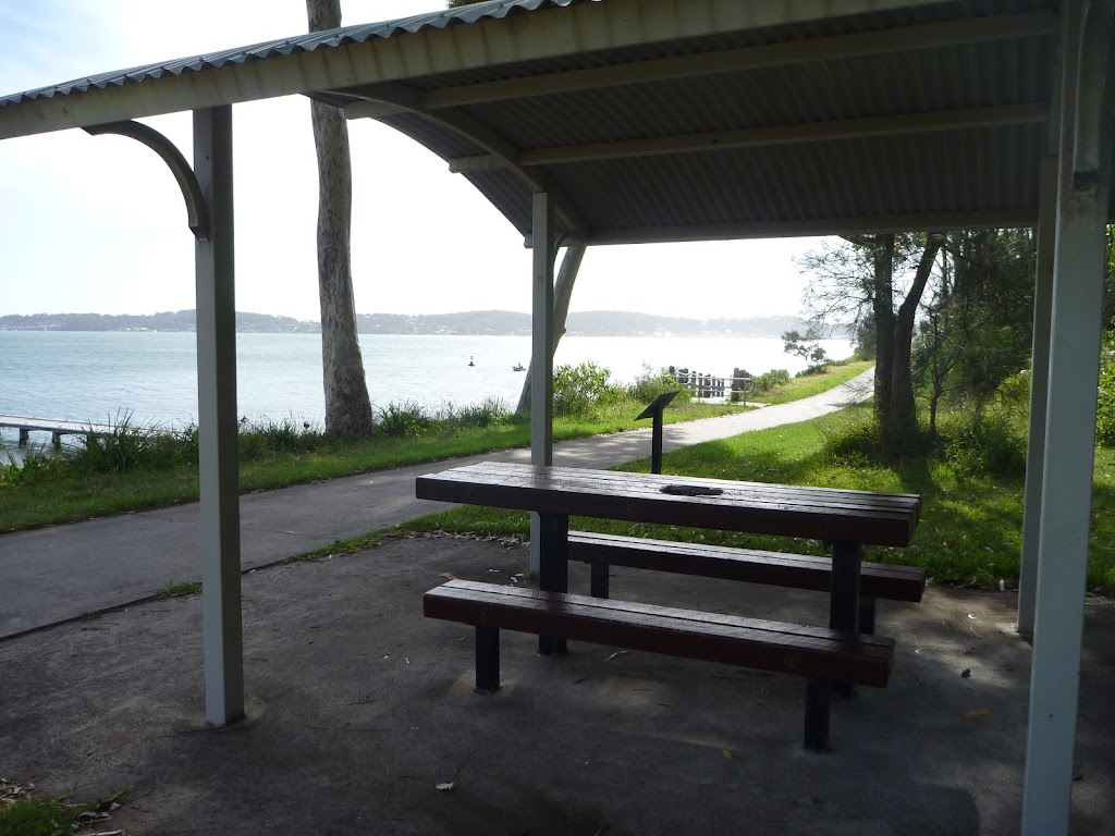 The Jetty Picnic Area beside Lake Macquarie