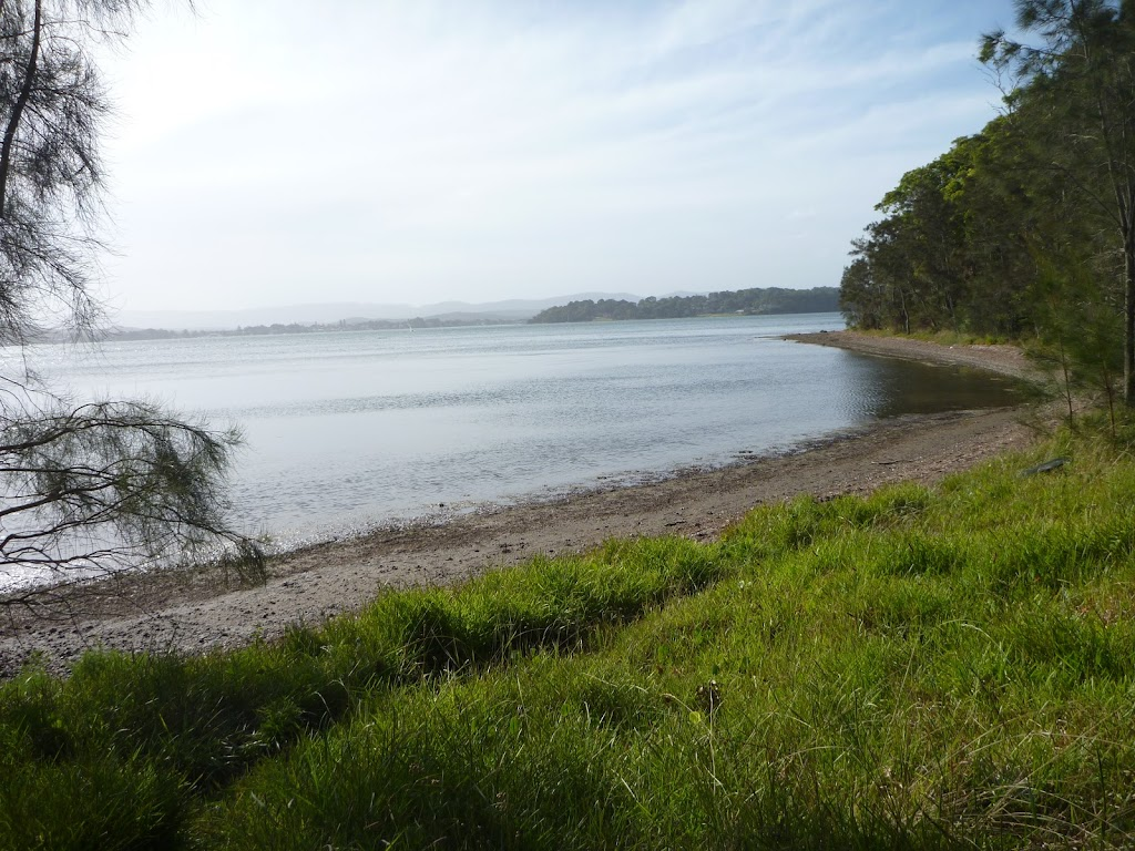 Far-reaching views over Lake Macquarie (389864)