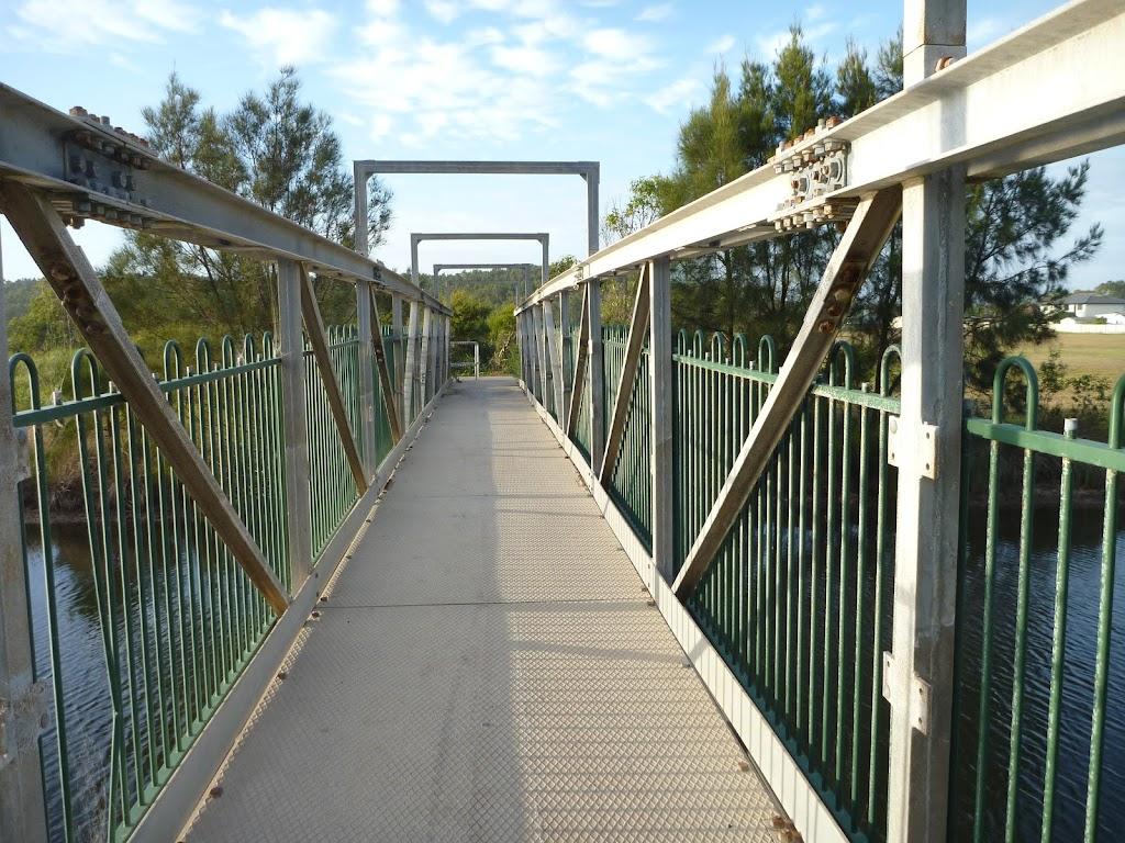 Belmont Lagoon foot bridge over the creek