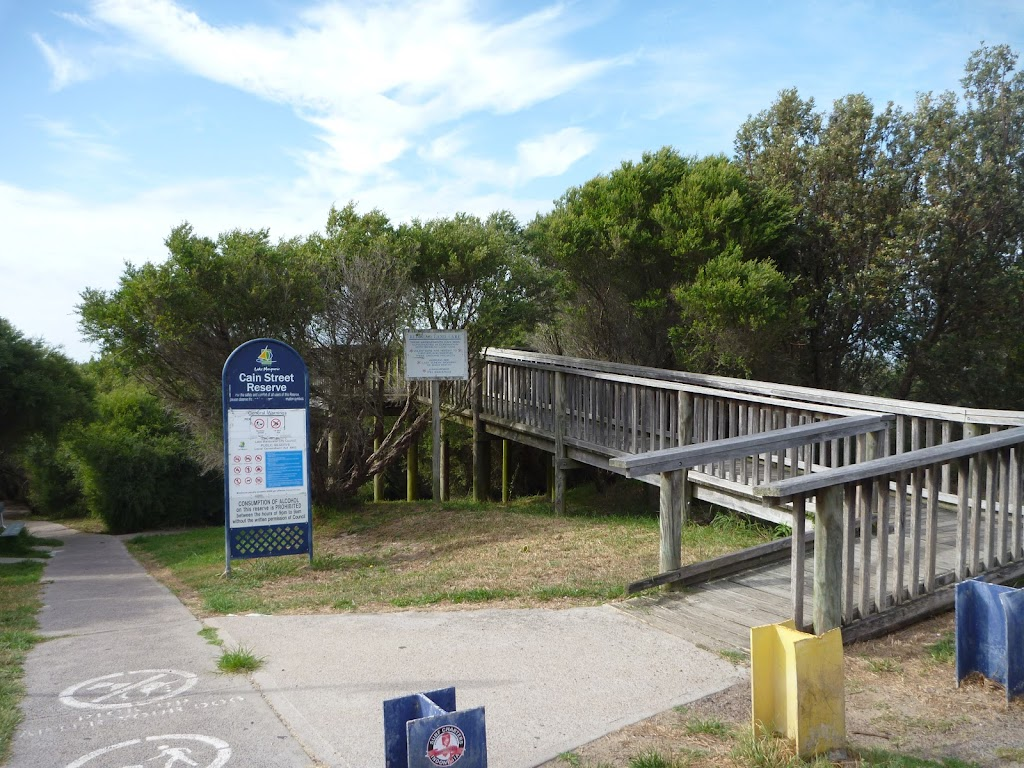 Elevated walkway to Owens Viewpoint in Redhead
