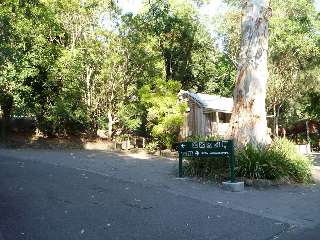 Sealed trail and information centre at Carnley Reserve in the Blackbutt Reserve