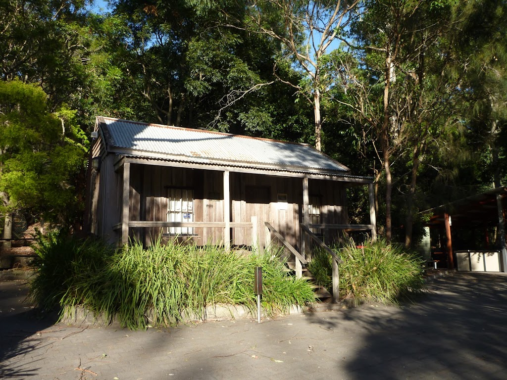 Information centre at Carnley Reserve in the Blackbutt Reserve (399295)