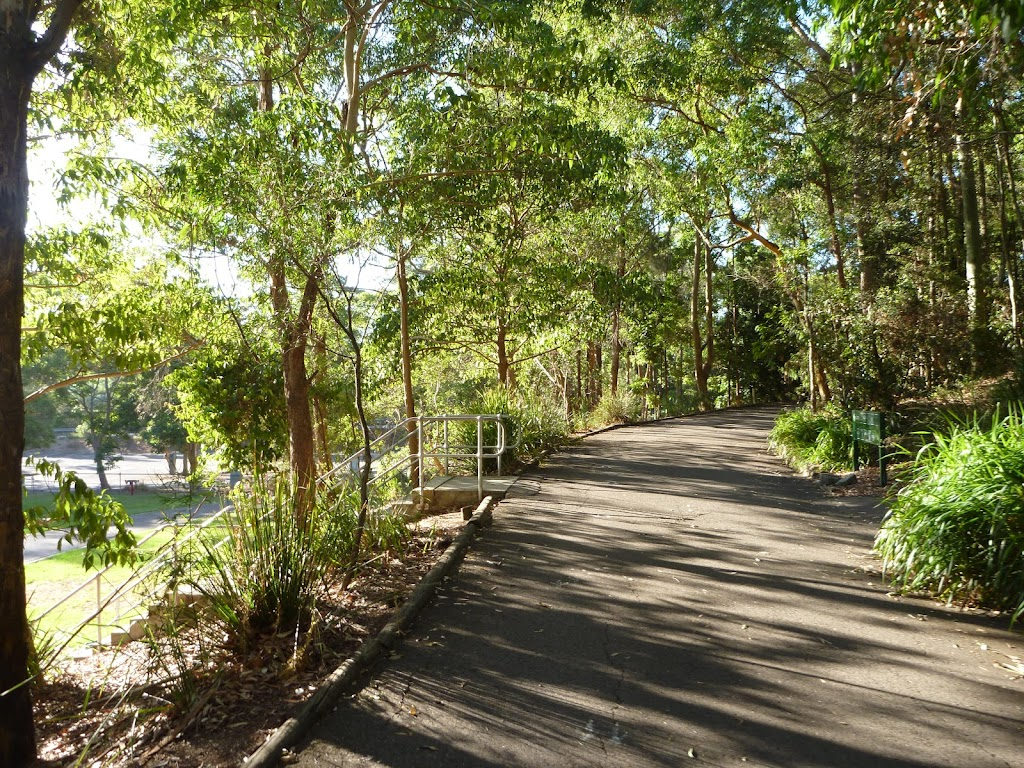 Level trail at Carnley Reserve in the Blackbutt Reserve