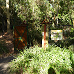 An entrance to the Wildlife Exhibits at Carnley Reserve in the Blackbutt Reserve (399337)