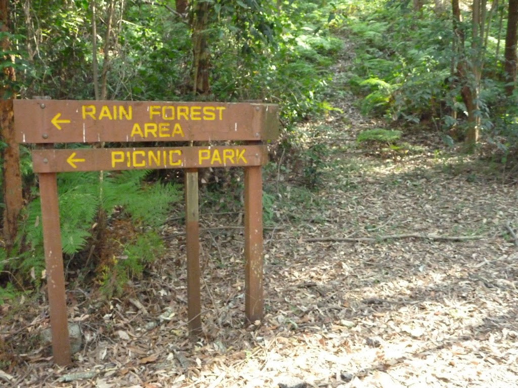 Timber sign in Blackbutt Reserve