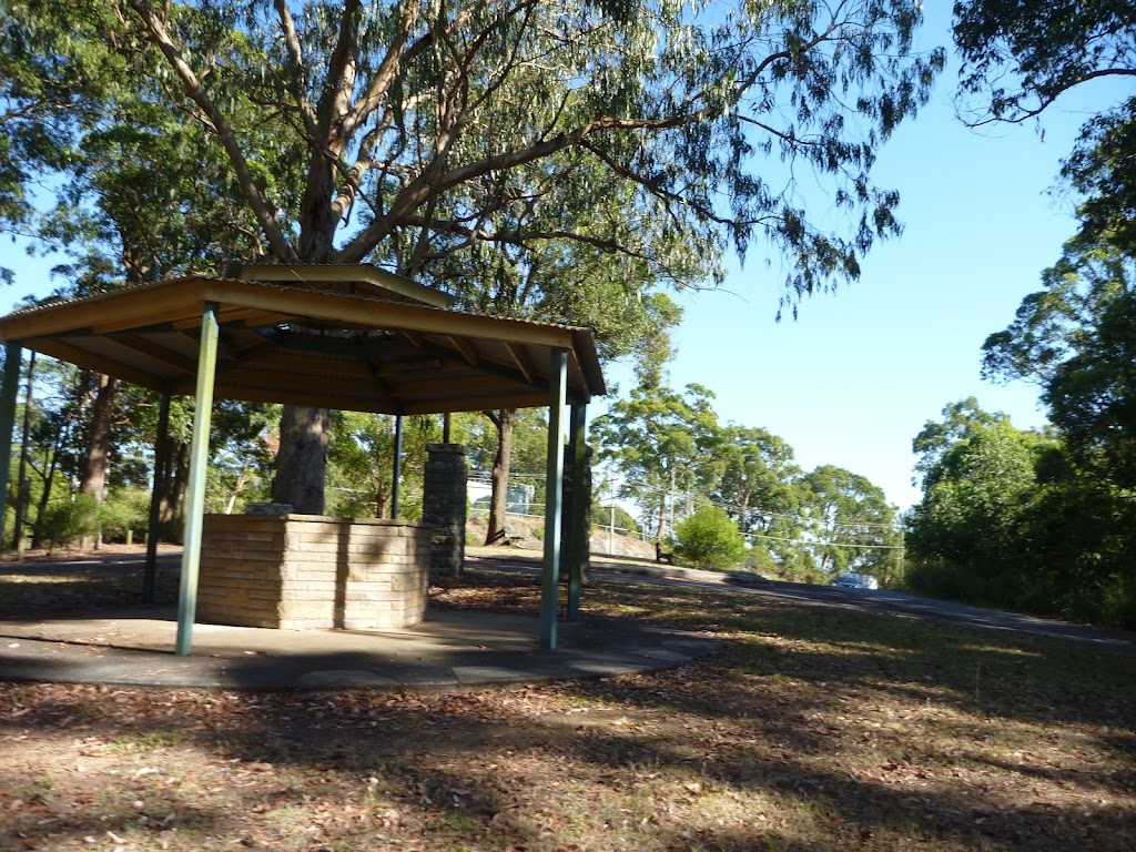 Shelter at Lookout Road Picnic Area in Blackbutt Reserve