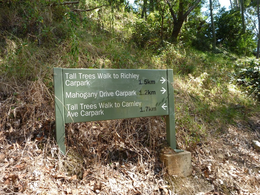 Signage in Blackbutt Reserve (400414)