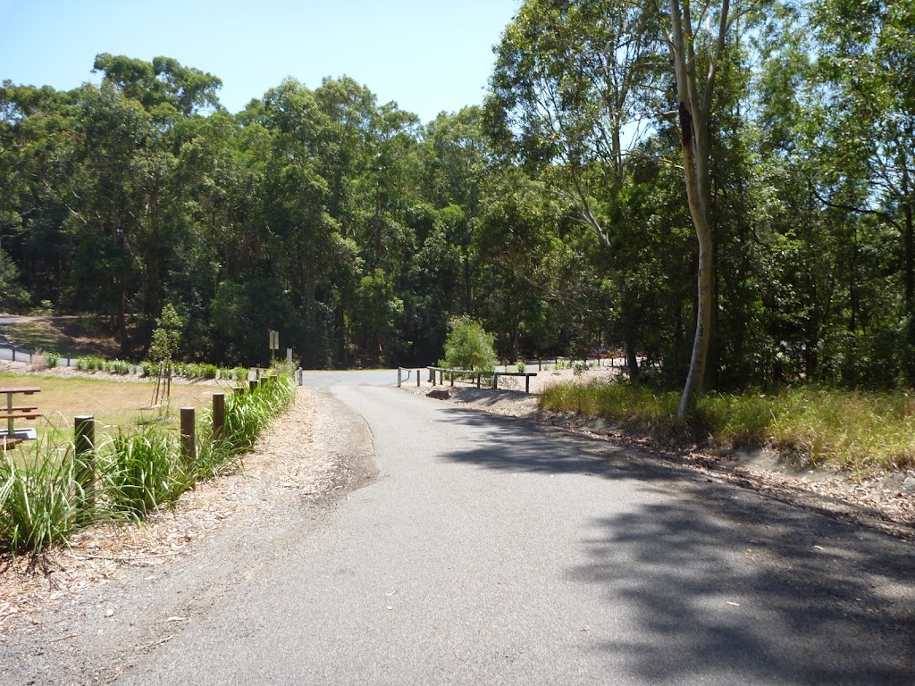 Sealed trail with the Richley Reserve Car Park in the distance