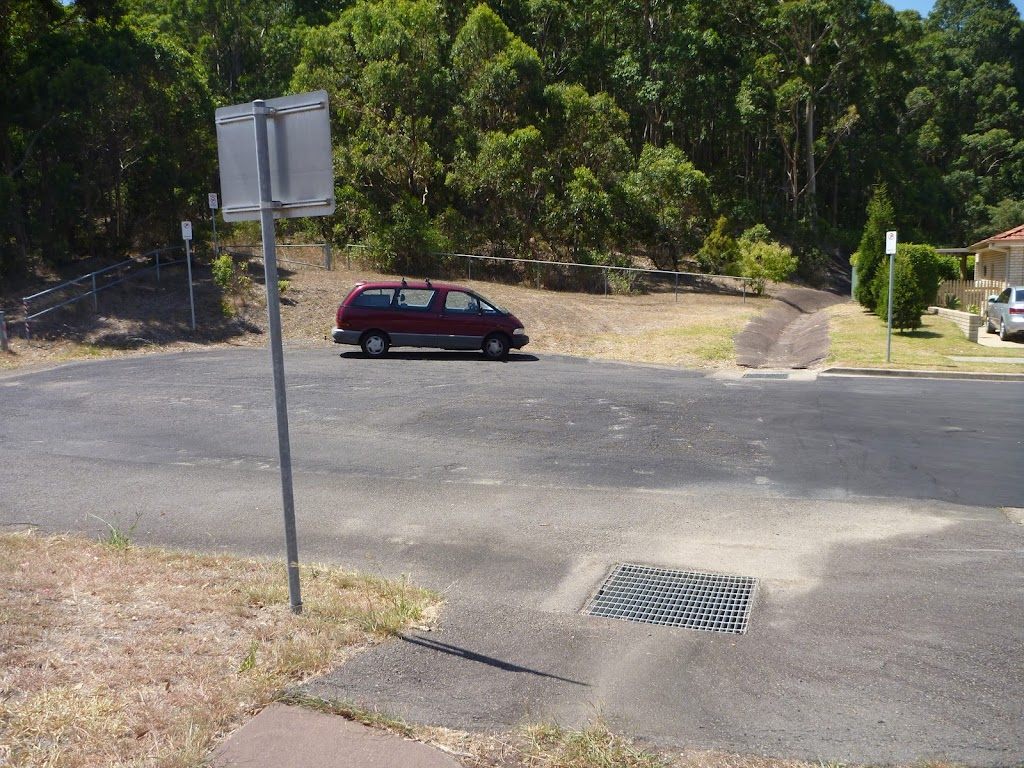Turning circle at the end of Green Point Drive in Belmont