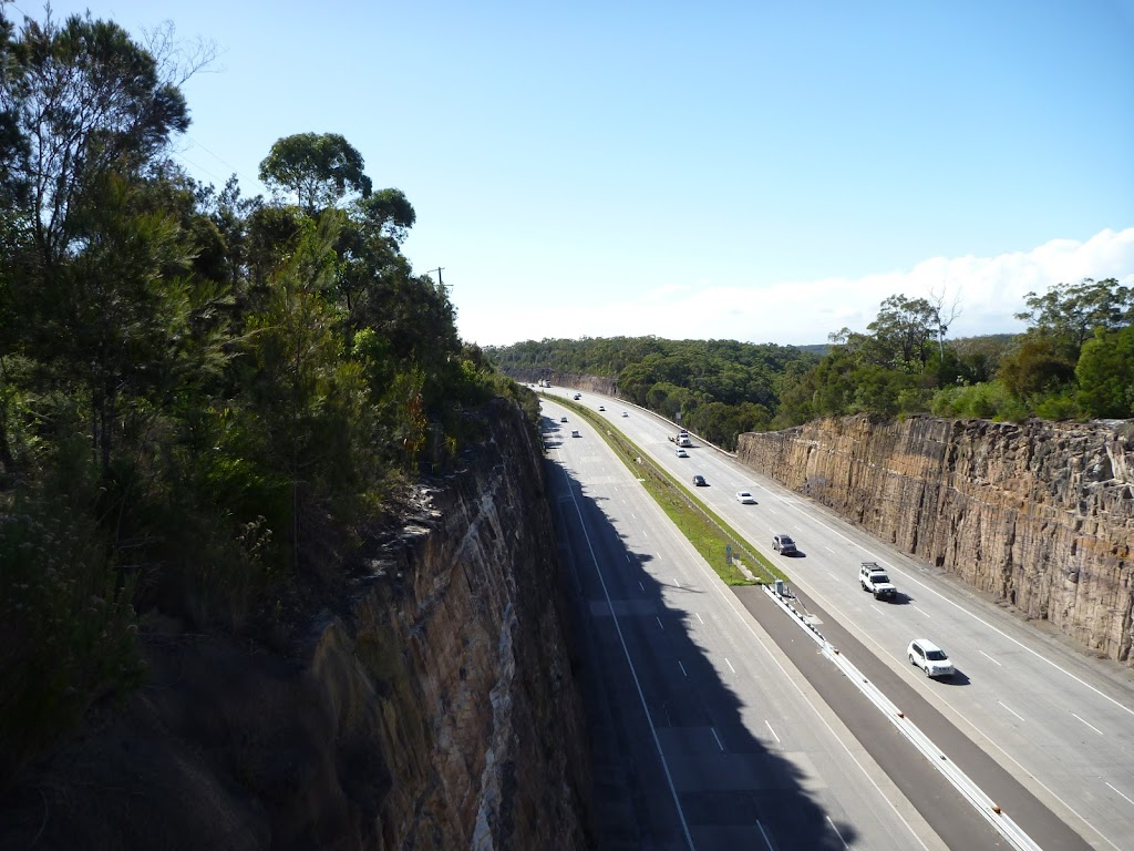 View of freeway from near Berowra Station (418915)