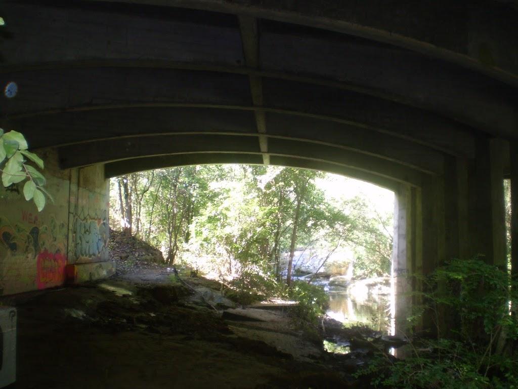 Causeway under Epping Rd (4957)