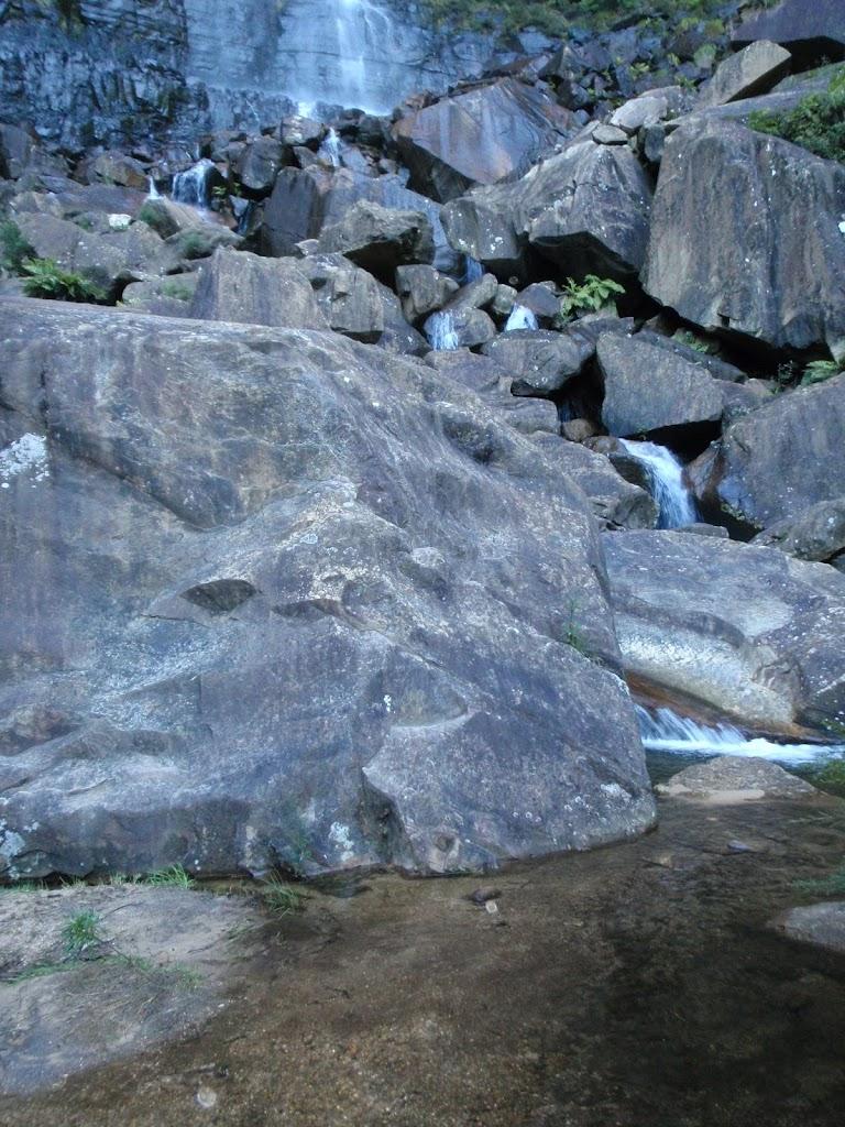 Base of Govetts Leap falls