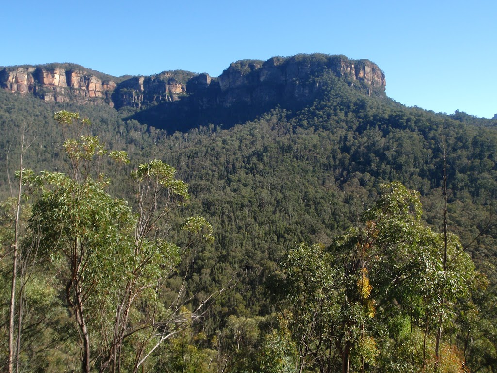Perrys Lookdown from Lockleys Track