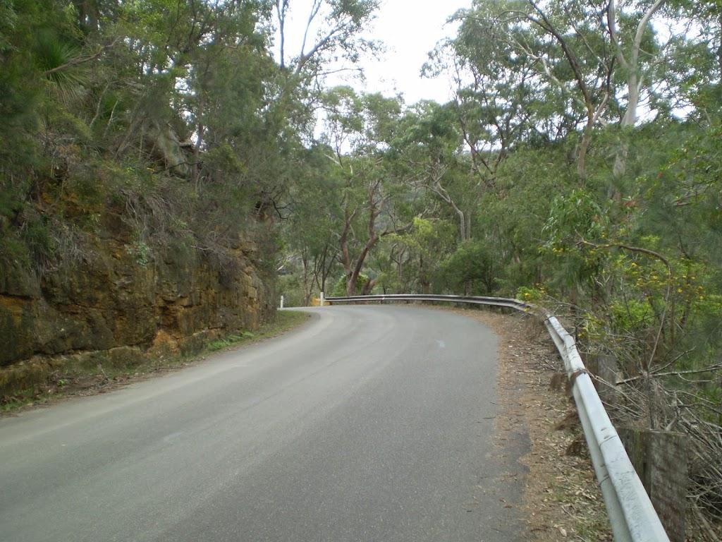 Road between Bobbin Head and Apple Tree Bay