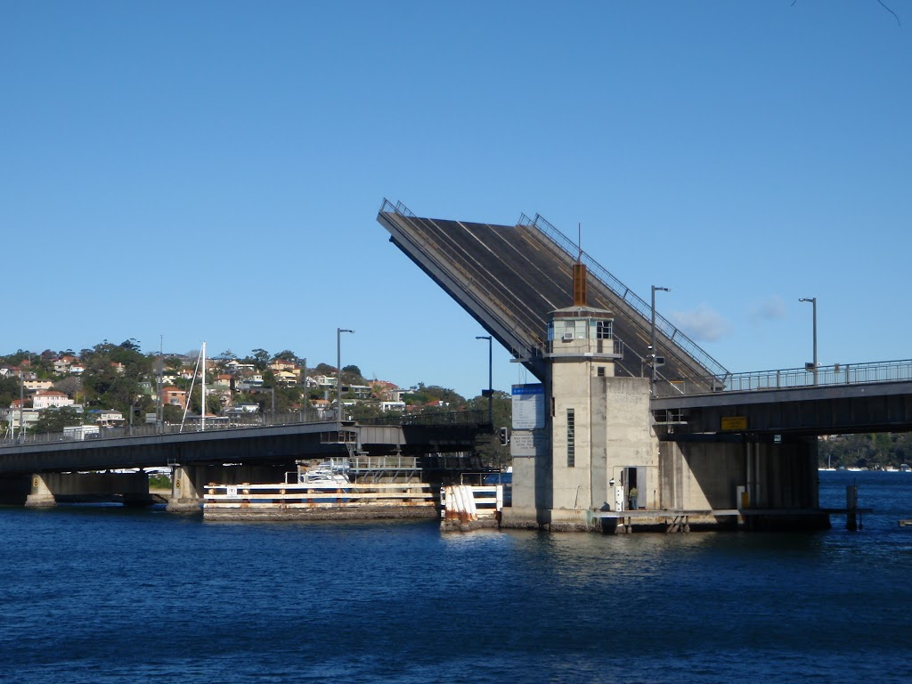 Spit Bridge lifting