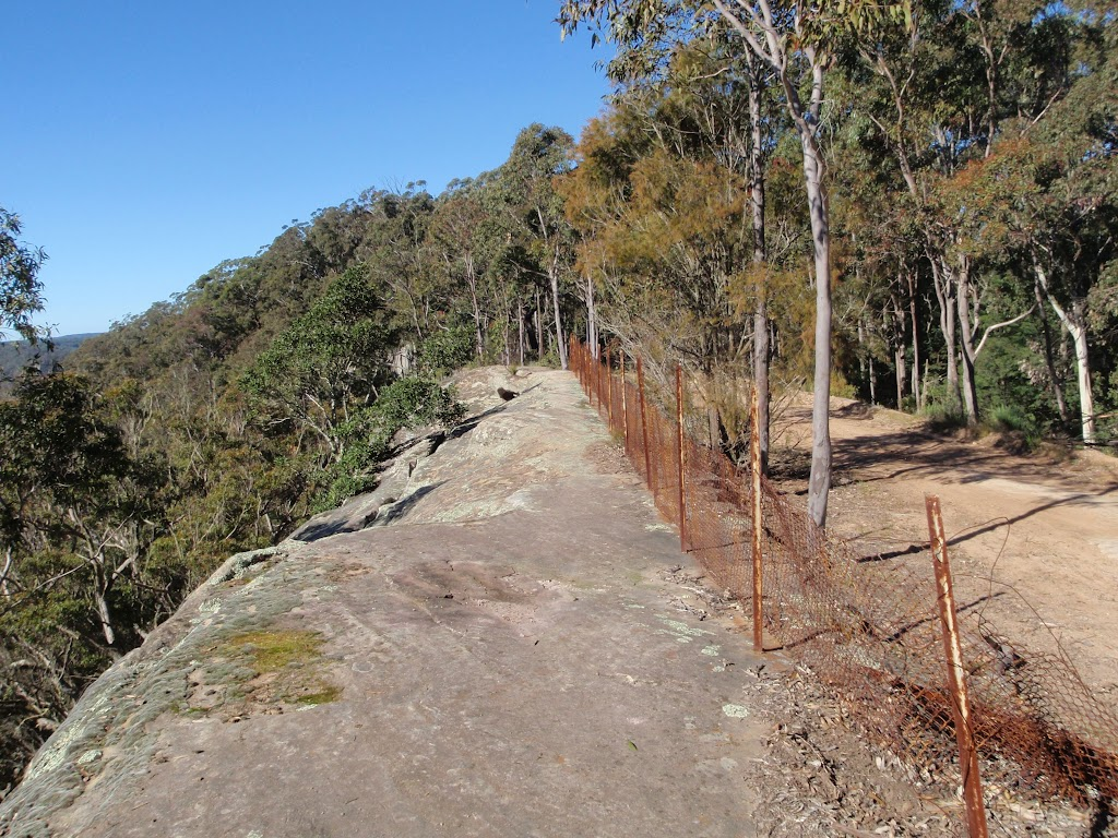 The fenced-off cliffs near Flat Rock Lookout