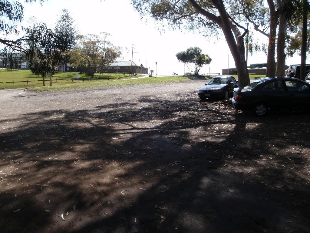 Middl Head car park
