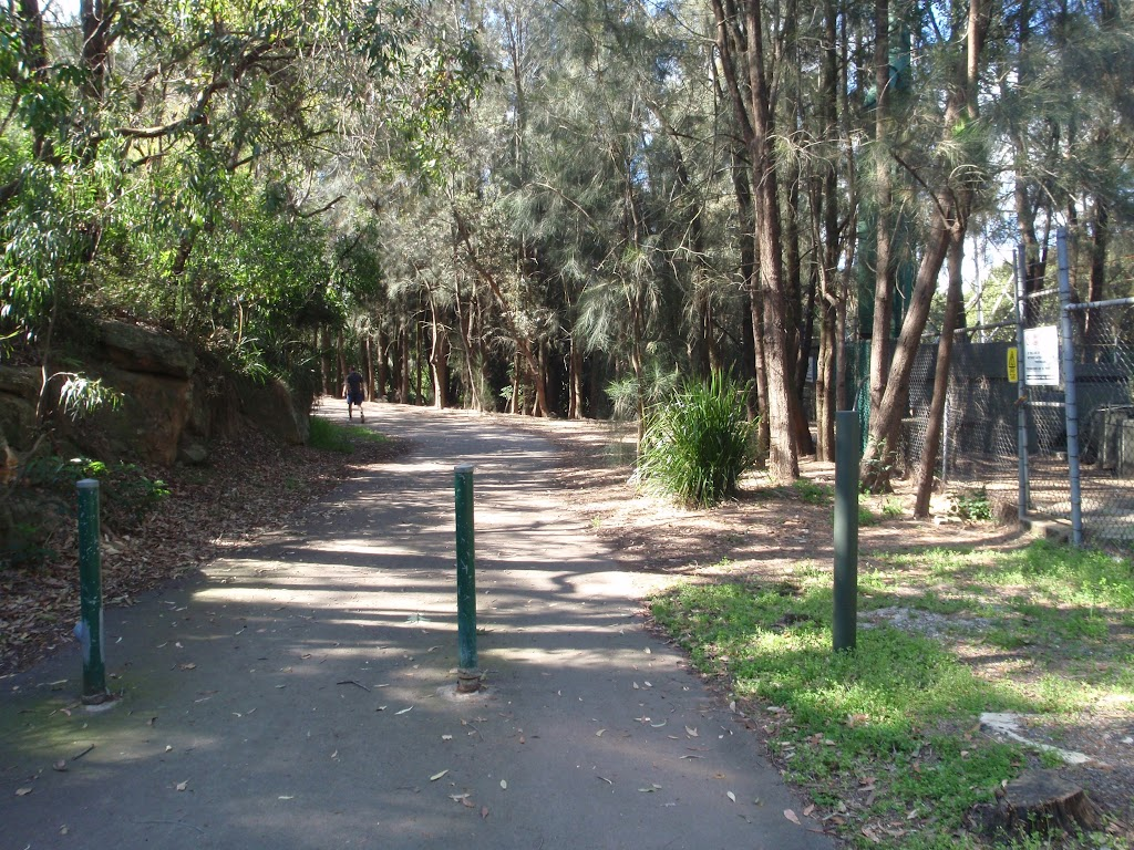 Following the service trail out of Davies Reserve.