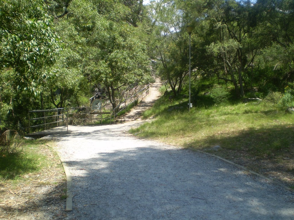 The track between Carlotta's Arch and the Carpark Intersection