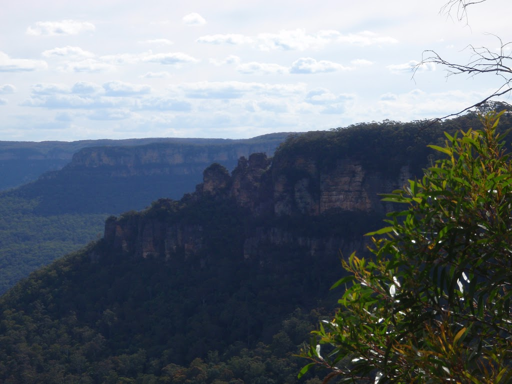 Back of the Three sisters from Gordon Falls Lookout (93739)